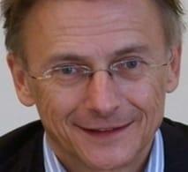 Willem-Smink-PvdA-als-1-van-de-informateurs-aan-de-slag-in-Assen
